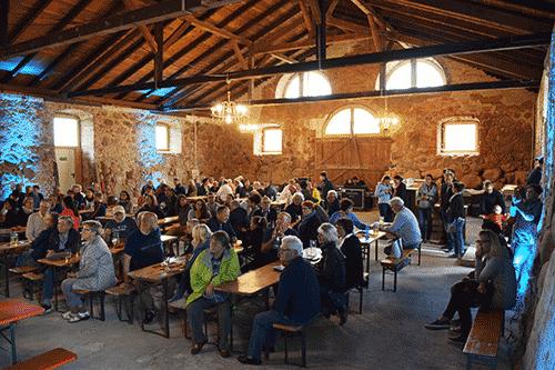 Mittsommer Event auf Schloss Broock in der Reithalle