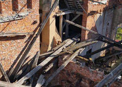 Blick in den zerstörten Mittelresalit Schloss Broock