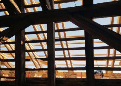 Blick von innen auf die Notdachkonstruktion