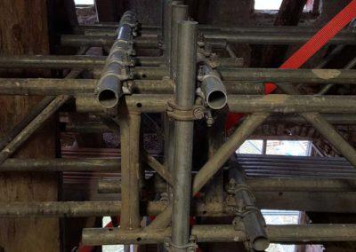 Einbau der Gitterträger zum Abfangen der Stiele