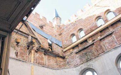 Schluss im Schloss mit Durchblick nach oben