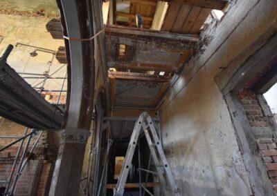 Ausbau und Bergung eines Fragments der historischen Stühler-Decke