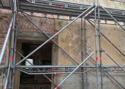 Einrüstung der oberen Halle im Mitteltrakt