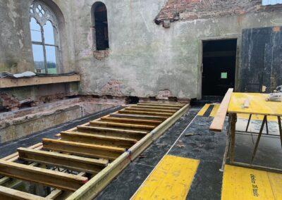 Aufbau der Schalung in der oberen Halle, für die Decke über dem ersten Obergeschoss