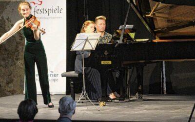 Spitzenmusik und Vogelgezwitscher: Ein Broocker Abend voller Premieren