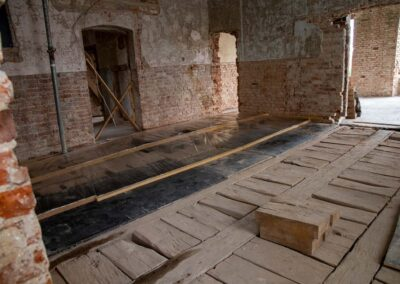 Restaurierung der letzten erhaltenen Vollholzdecke